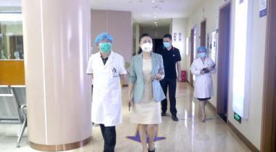 爱尔眼科集团副总裁冯珺等领导莅临爱尔·重庆眼视光眼科医院指导工作