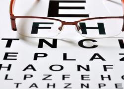 2020高考临近:不少考生因近视,专业报考受限?