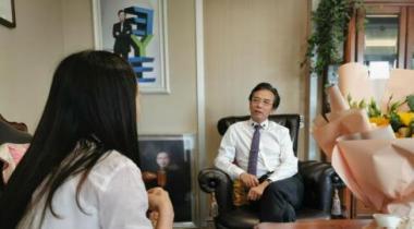 爱眼日--陈茂盛院长做客健康人报:呼吁家庭眼健康管理
